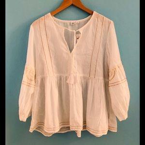 NWT• gap peasant shirt • size medium